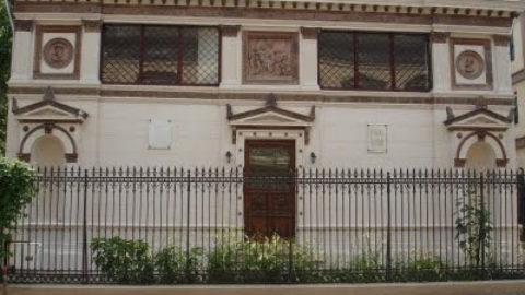 Case si Biserici Armenesti din Romania